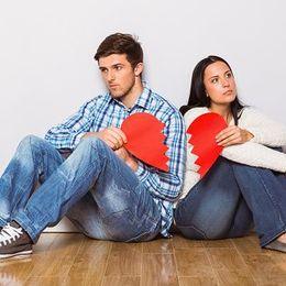 高校生のころから付き合っていた恋人……大学入学後すぐ別れてしまった人は約7割