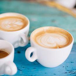 コーヒーチェーン店のポイントカード&プリペイドカードを作るメリット【学生記事】