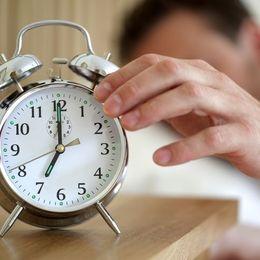 朝が苦手な学生必見! 早起きの方法と充実した朝型生活の過ごし方【学生記事】