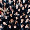 入社式のスーツ&シャツの色ランキング【女性編】一番人気は黒×ホワイトシャツ