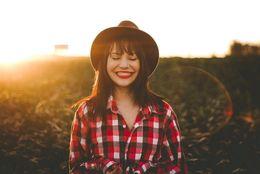 「きれい」と「かわいい」、なりたいのはどっち? 女子大生の約6割が「きれい派」と回答