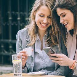 女子会で相談? 女子大生の約4割が恋愛するとき友達からアドバイスをもらうと回答!
