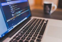 プログラマーになるにはどうすればいい? 必要なプログラミング言語は?