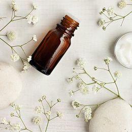 化粧水や乳液……基礎化粧品に出せる金額はいくらまで?  女子大生の上限額Top5