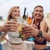 飲み会の最初の1杯でビール以外を頼む社会人は26.8%! 人気ドリンクは?