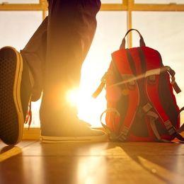 キャンパスライフに欠かせない! 男子大学生が通学かばんに入れているアイテムTop10