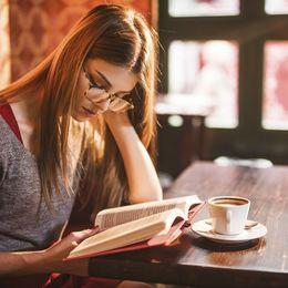 大学生がプライベートで1年間に読む本は平均2.5冊! なかには0冊の人も