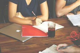 大学生の平均の勉強時間はどれくらい? 一番集中できる場所は?