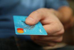 大学生におすすめのクレジットカードの選び方とは? 学生限定特典や旅行保険が充実した1枚はコレ!