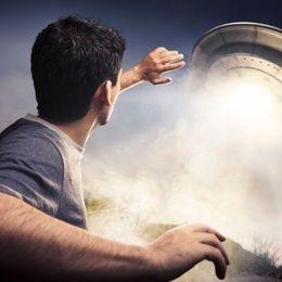 ISSで地球外生命体発見! UFO・宇宙人は存在すると思う? 大学生の8割弱が「NO」