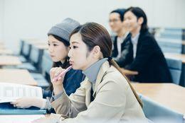 怠けグセが……大学生になって学校をサボるようになった人は35.2%