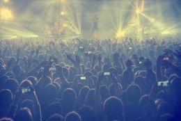 【バイト体験談】コンサートスタッフのバイトってどんな仕事? 観客の安全を守ります!【学生記者】