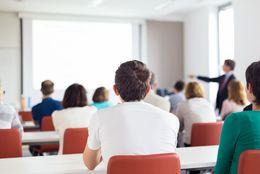社会人が「学生時代に勉強しておけばよかった」と思う科目Top5