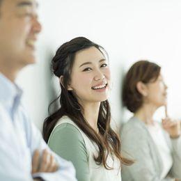 将来、両親のような大人になりたいと思う大学生は56.2%「働く姿がかっこいい」
