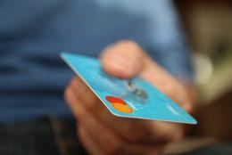 どんな場面で活用する? 大学生が支払いにクレジットカードを使用するシーンTop5
