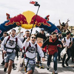 お金はないけどレッドブルはある?! 物々交換でヨーロッパを巡る「Red Bull Can You Make It? 2018」が開催