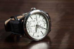 腕時計を持っている大学生は約8割! 購入時に重視するポイントは「デザイン」