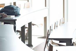 入学式ぼっちで過ごした大学生は43.3%! ぼっち回避はSNSが肝になる?!