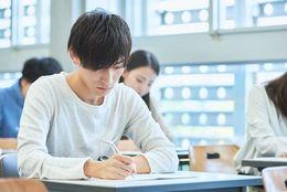 咳払いにくしゃみ……大学生が試験中に気になってしまう「周りの行動&音」ランキング!
