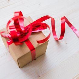 500円で買えるおすすめプレゼント20選! ちょっとした贈り物に最適なアイテムは?