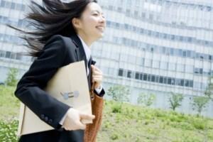 志望業界は絞るべきか幅広く見るべきか。就活を成功に導くのはどっち?