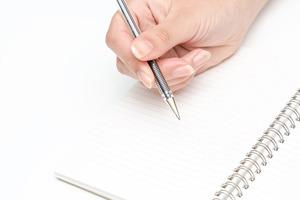水性インクのペンで書くのはNG? ES作成で気をつけるべきポイント