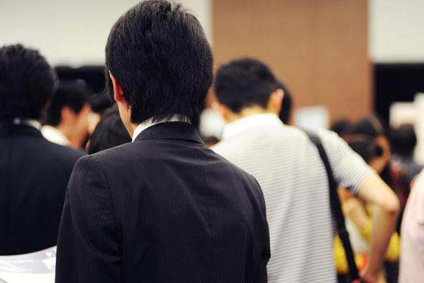 企業の情報を一気に集めるチャンス! 就活合同説明会の賢い使い方って?
