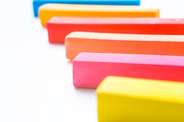 黄←お調子者、ピンク←ドジなので。面接で「戦隊ヒーローに例えると君は何色?」と聞かれたら?