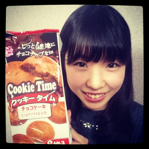 第13回目のおやつは、『サークル新歓&合宿おまかせセット』のクッキータイムチョコケーキです♪