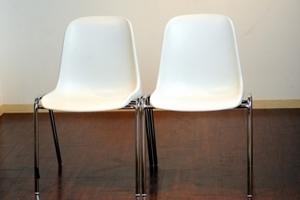 【知ってた?】相手への印象が良くなる「正しい座り方」