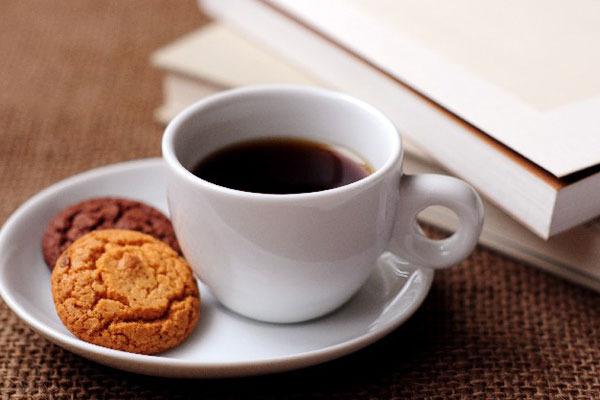 外回りの営業マンに聞く!  隙間時間におすすめの「カフェ選び法」