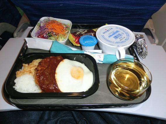 お国柄も満載 エコノミークラスの機内食が美味しい航空会社とそのメニュー