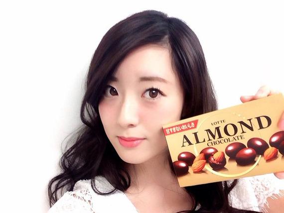 第21回目のおやつは、ロッテのアーモンドチョコレート!