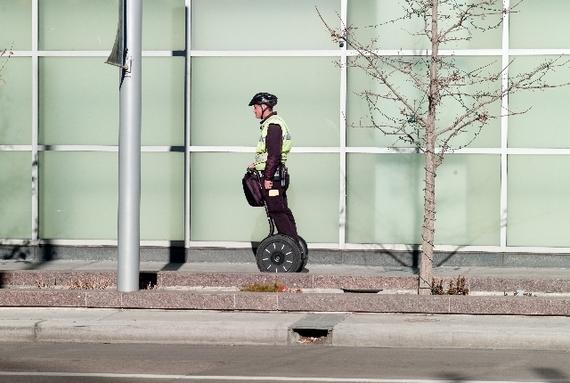 【Q&A】文キャンから早稲田キャンパスまでセグウェイで移動するにはナンバープレートが必要ですか?