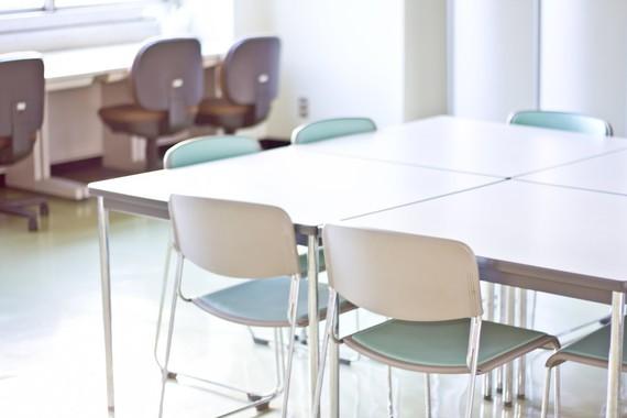 【Q&A】入試期間中、大学内でサークルのミーティングが出来なくて困っています。無料または格安で使えるミーティングルームはありますか?