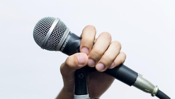 【Q&A】早稲田大学校歌「都の西北」が覚えられません。どうしてみんな歌えるんですか?