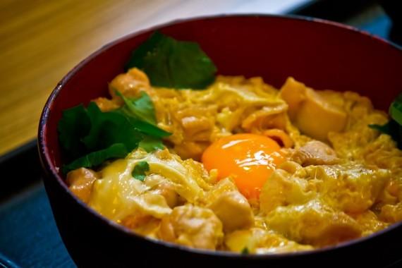 【Q&A】早稲田で一番美味しい学食メニューを教えてください!!