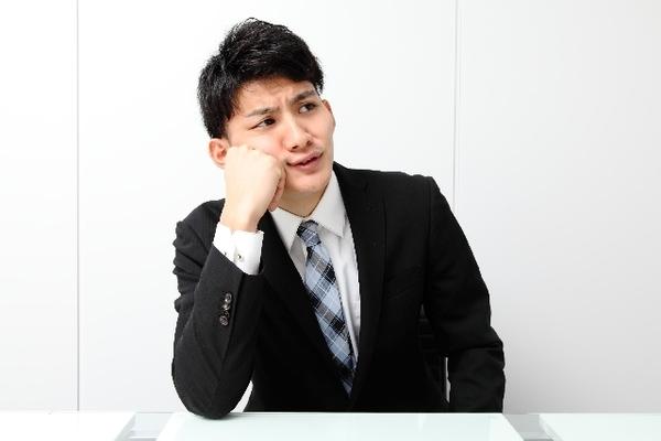 スーツのオシャレはどの程度許されるの?