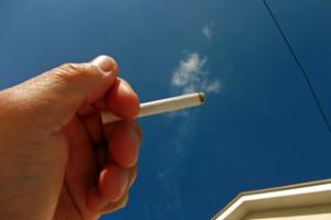 社会人に聞いた、値上げをされて困ったもの「公共料金」「電車賃」「タバコ代」