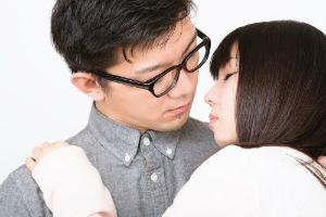 日本人がキスをするようになったのは平安時代から!? 「チュウ」は江戸? 日本のキスの歴史について調べてみた