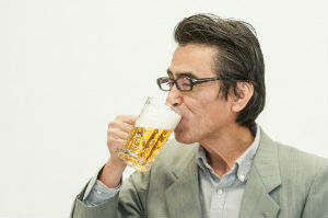 知っていればおいしく飲める? ビールの「生中」の基準とは?