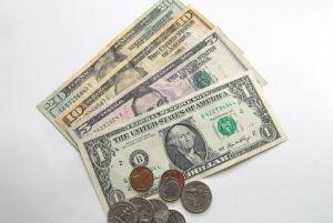 出発前に必ず知っておきたい、海外旅行先での賢いお財布管理
