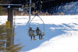 スキーとスノボ、どっちが人気? そもそも、ウインタースポーツ楽しんでる人ってどれくらいいるの?