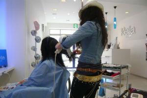 美容師には施術中、黙っていてほしい、話しかけてほしい?