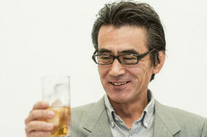 会社で「お酒は飲める?」と聞かれたらどう答えるのが正解?