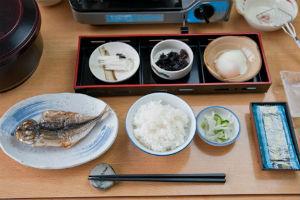「堅苦しい習慣が嫌い」、「和柄や日本食が好き」。生まれ変わっても日本人になりたい?