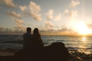 恋人と別れてから次の恋人ができる間隔はどれくらい? 最多は1年「落ち着くのに半年、新しい恋に半年」