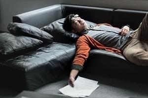 春眠暁を覚えず......寝坊してえらい目にあった失敗談「スーツにスニーカー」「3日に1便のフェリーに乗り遅れ」