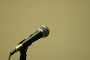 フリーアナウンサーに聞く「滑舌良く話す方法」
