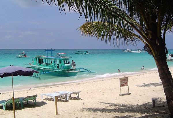 「ホワイトビーチ」「グレースベイ」人生で一度は行ってみたい! 海外の人気ビーチリゾート8選